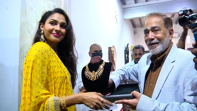 Actress Andrea Jeremiah Inagurate VJ Jewellery Exhibition at Santhome High Road